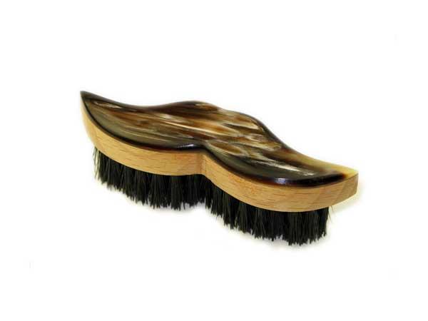 1 Abbeyhorn-moustache-brush