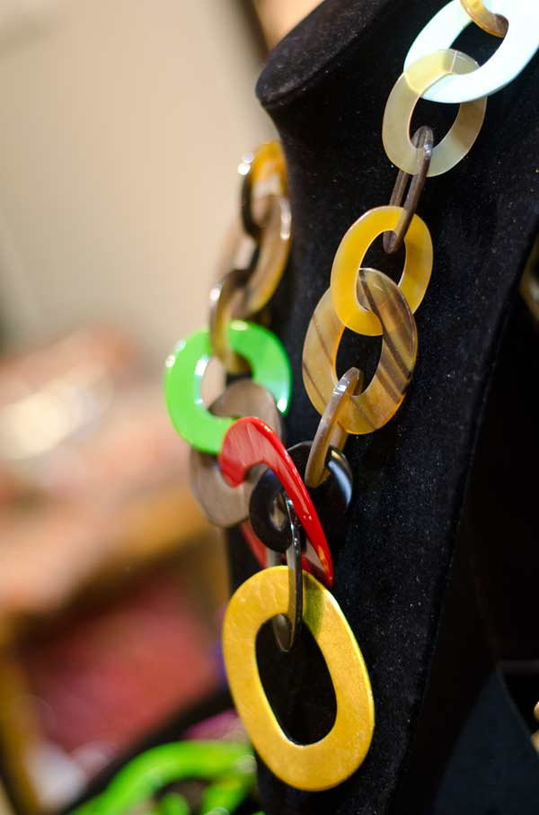 16 L'Indochineur-multi-coloured-necklace